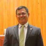 Dr. Rubén González Núñez